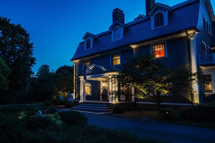 andover-landscape-lighting-700x466