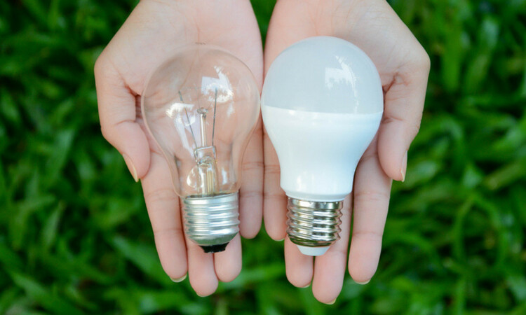 incandescent-bulb-vs-led-750x450